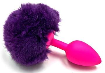 Розовая силиконовая анальная пробка с пушистым фиолетовым хвостиком зайчика