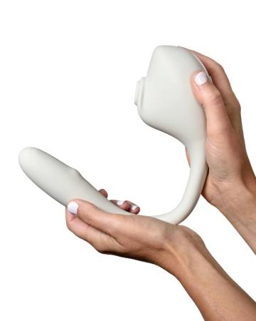 Серый вакуумный стимулятор с отростком Ose 2 Premium Robotic Massager