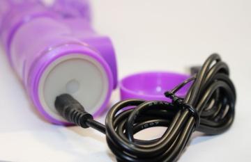 Фиолетовый вибратор-ротатор с клиторальным стимулятором - 22,5 см.